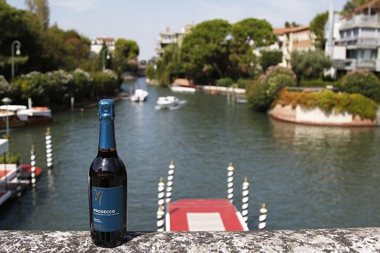 Sul red carpet di Venezia Brindisi con il Prosecco Ponte1948