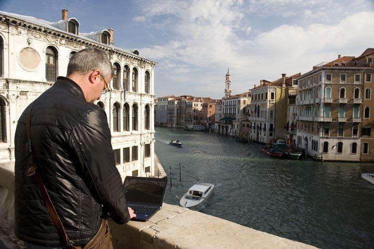 A Venezia una raccolta fondi per sostenere i viaggi d'affari