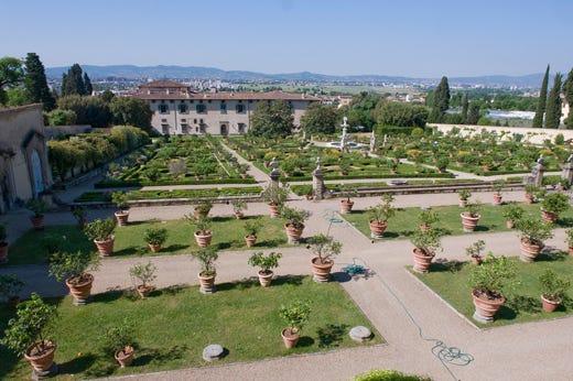 Sigurt e villa medicea di castello sono i parchi pi for O giardino di pulcinella roma