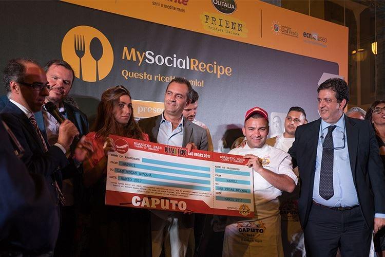Davide Civitiello con la sua Pomodorosa vince il contest #pizzaUnesco