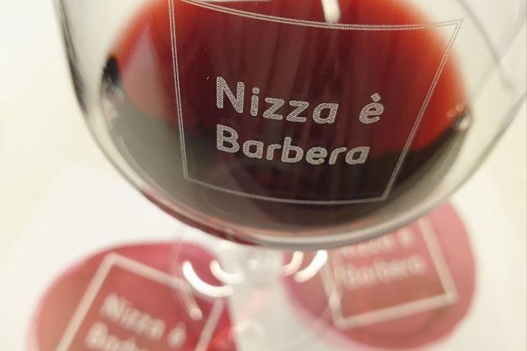 Vino, il Nizza festeggia la Docg Lungo brindisi con la Barbera