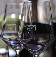 "Vineria con piccola cucina a Milano""Viola Enoteca"", per veri buongustai"