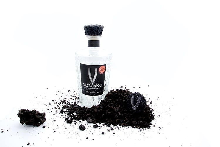 """Volcano Etna Dry Gin. Il gusto della Sicilia """"spiritosa"""""""