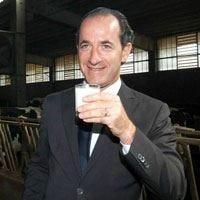 Fermata cisterna di latte in nero Zaia: La situazione del settore è grave