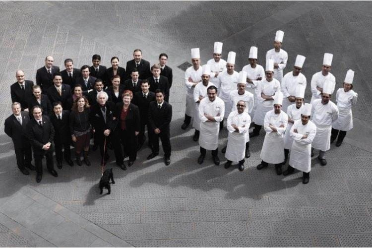 lo staff dell'enoteca