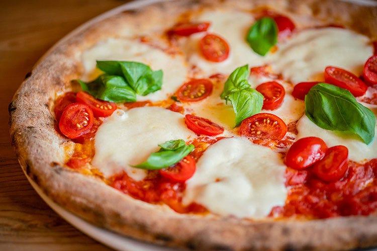 La pizza dello CHalet Tofane - foto: www.bandion.it (Cortina, menu d'autore a domicilio  per cene gourmet senza fatica)