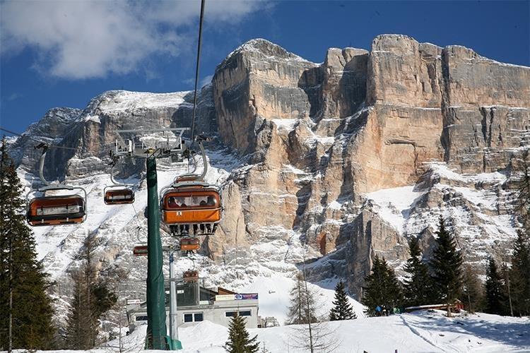 In Alta Badia si scia ma non solo Il fascino delle Dolomiti tra ...