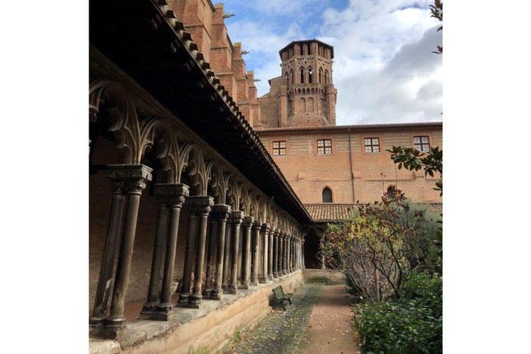 Tolosa, cresce la vocazione turistica La Cour des Consuls soggiorno ...